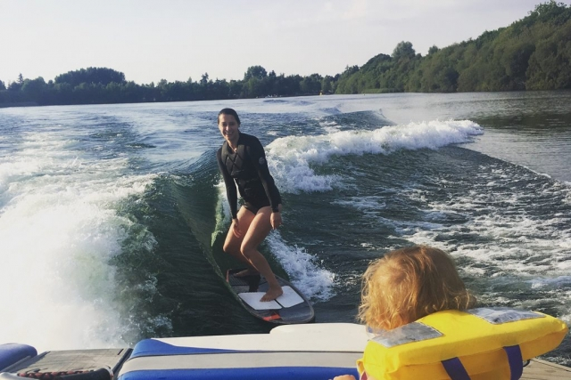 Ellingham Waterski and Wakeboard Club - wakesurfing